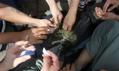 kids-and-weed